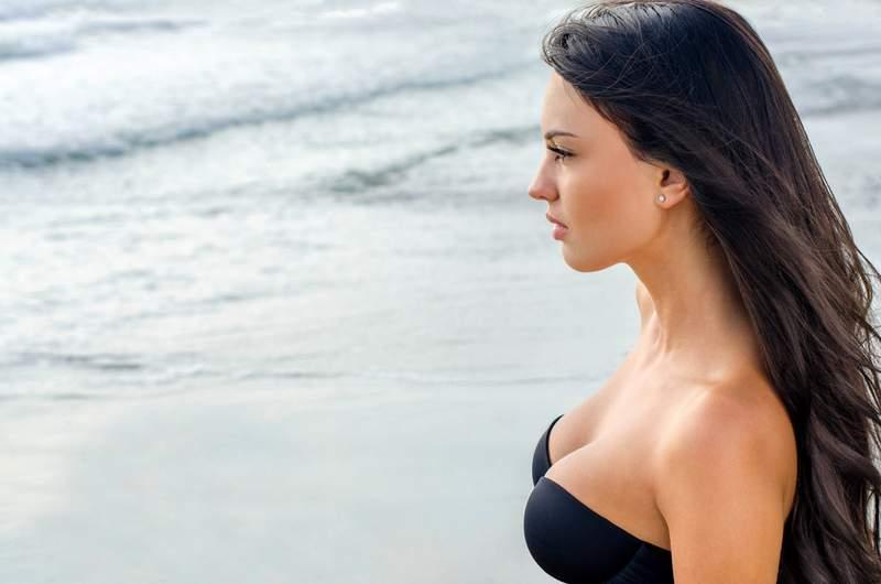 Saline breast implants
